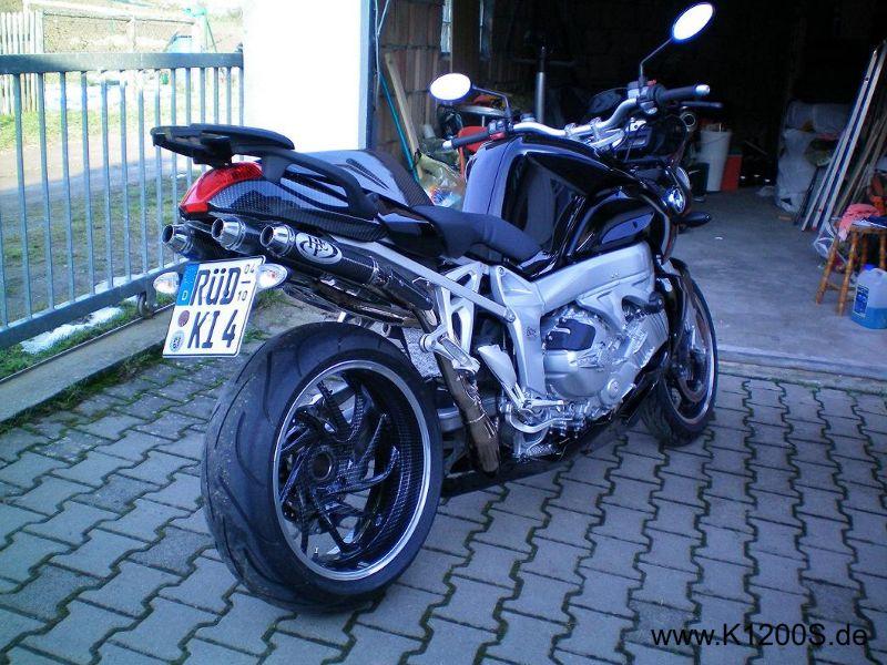 bmw k1200s | Bmw, Bike, Custom garages