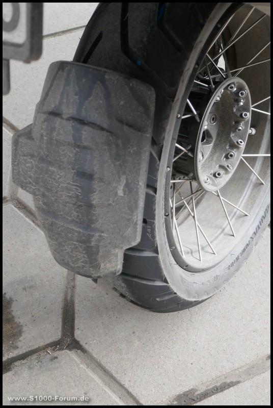 Hinterrad A41 nach Test bei Nässe auf BMW R 1200 GS