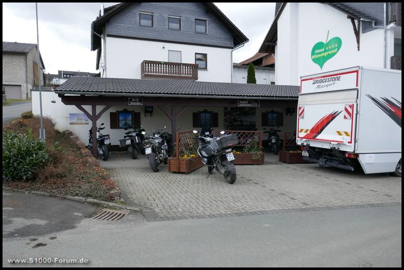 Bridgestone A41 Testfuhrpark im Hochsauerland