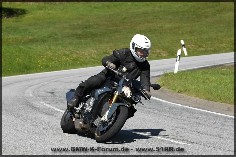 Dunlop SportSmart 2 MAX - Fahrtest auf S 1000 R