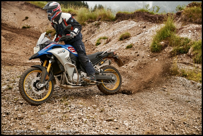 BMW F 850 GS Adventure in Bewegung