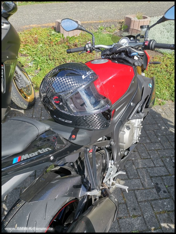 LS 2 Arrow C Carbon auf BMW S 1000 R