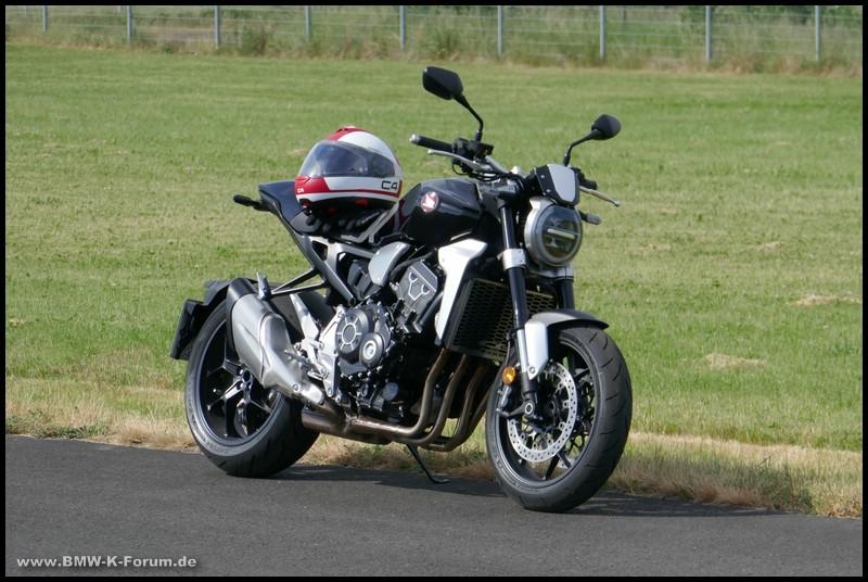 Honda CB 1000 R von rechts vorne