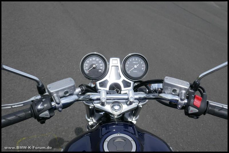 Cockpit der Honda CB 1100 EX