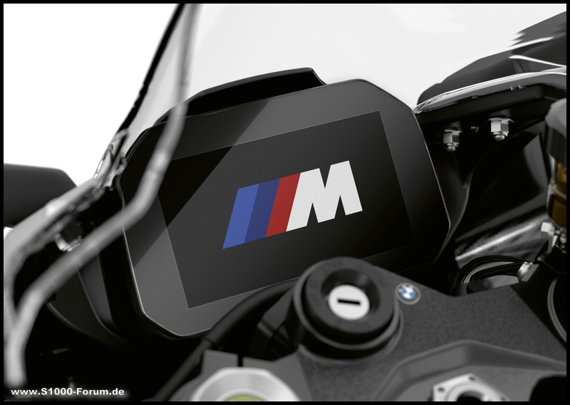 Cockpit der BMW M 1000 RR