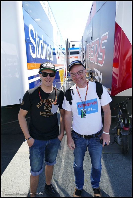 Gerhard Rudolph und Markus Reitberger im Fahrerlager