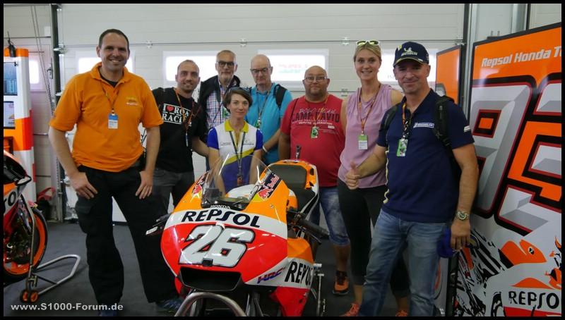 Gruppenaufnahme in der Honda - MotoGP - Box