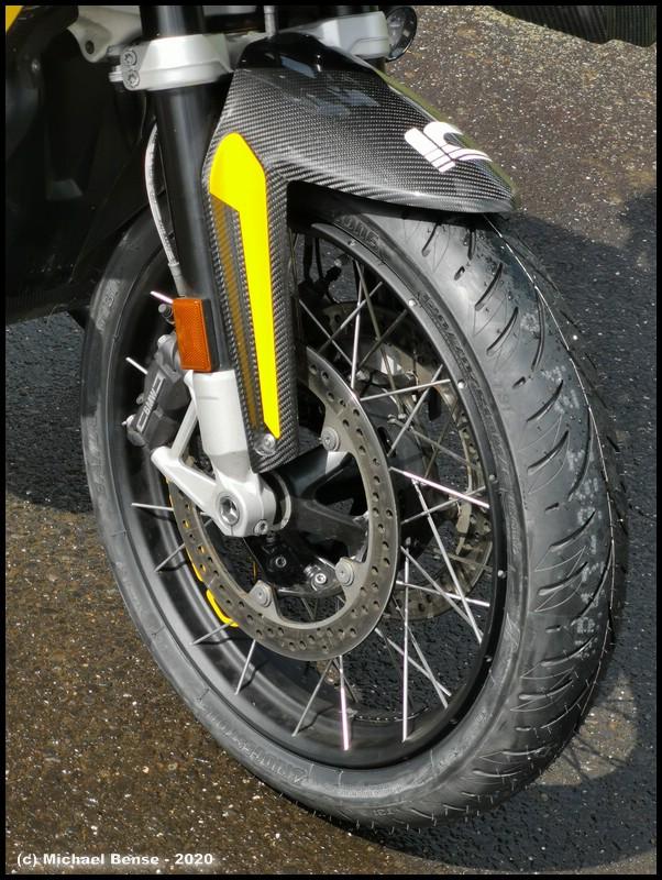Bridgestone T 31 auf R 1250 GSA - vorne