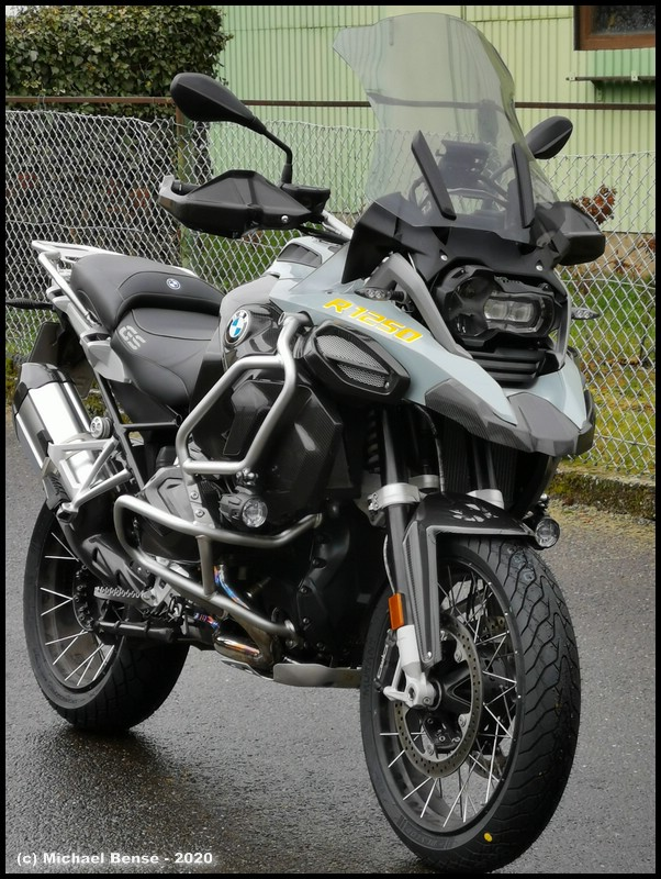Dunlop Mutant auf R 1250 GS Adventure