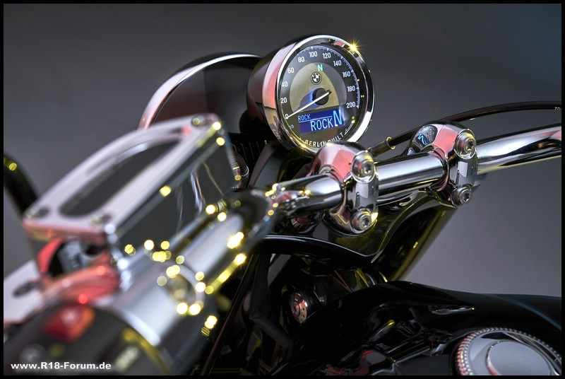 Cockpit - R 18