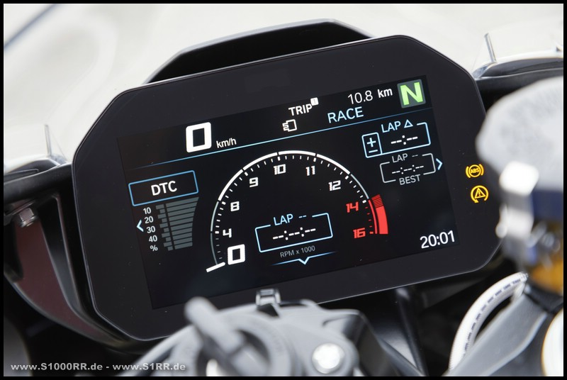 Cockpit der BMW S 1000 RR ab Modelljahr 2019