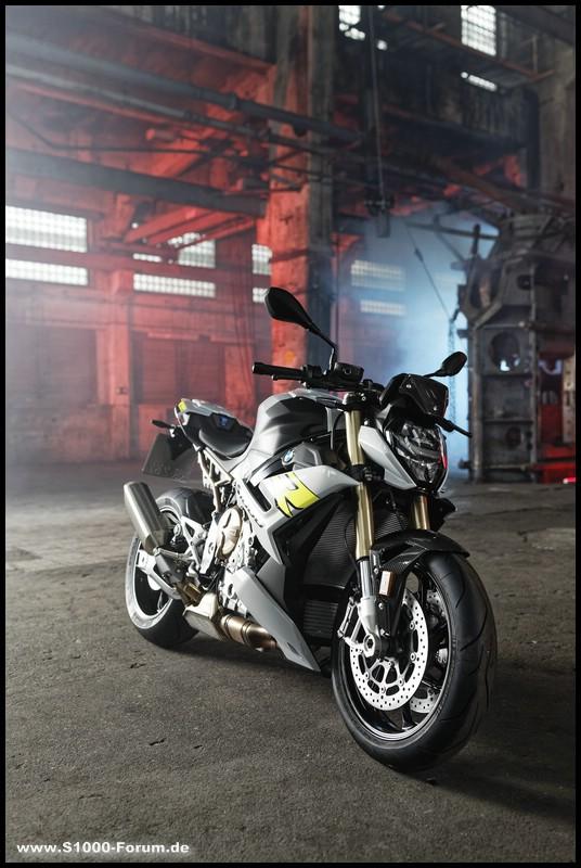 BMW S 1000 R- ab Modelljahr 2021 von schräg vorne