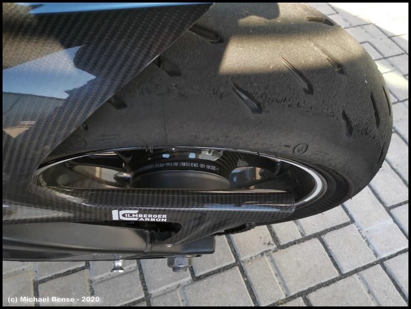 Michelin Power GP hinten rau gefahren