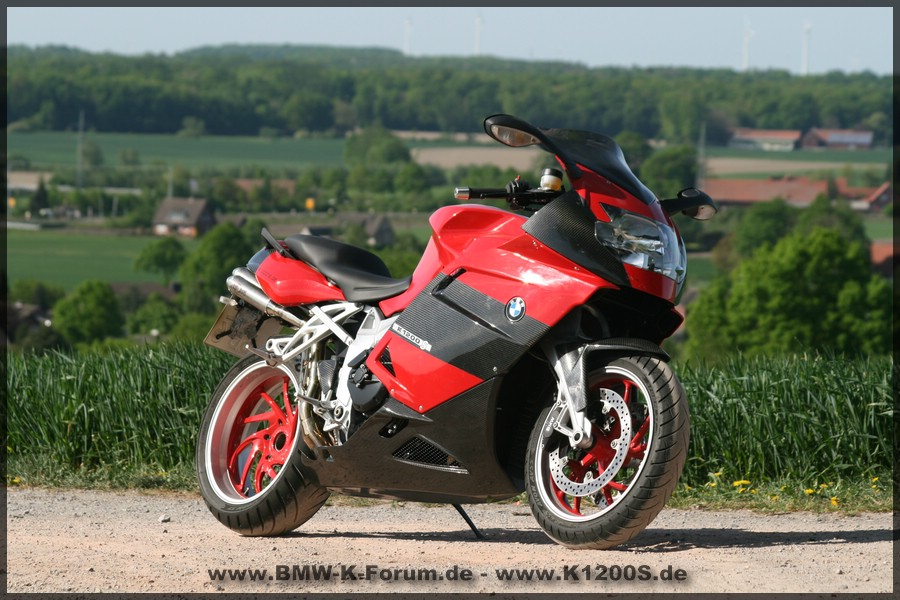 OSM62 - BMW K 1200 S in Ilmberger Carbon mit 4in4 Underseat