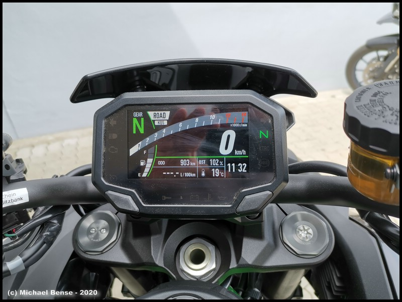 Cockpit der Kawasaki Z H2