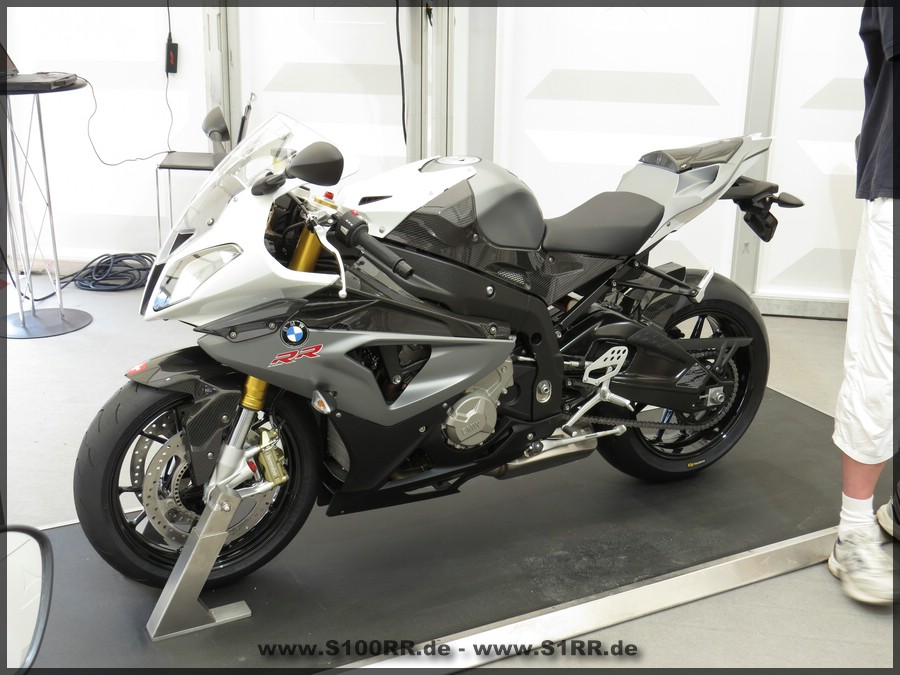 S 1000 RR in Granitgrau metallic matt / Alpinweiß 3 uni